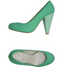 BGN - Closed-toe slip-ons
