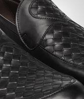 Schuh aus Kalbsleder Intrecciato Nero Palladio