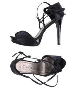 Sandalias con plataforma - CRISTIN EUR 65.00