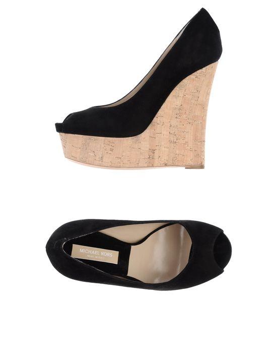 Обувь на танкетке MICHAEL KORS по цене 14250 руб. . Особенности: замша, одноцветное изделие
