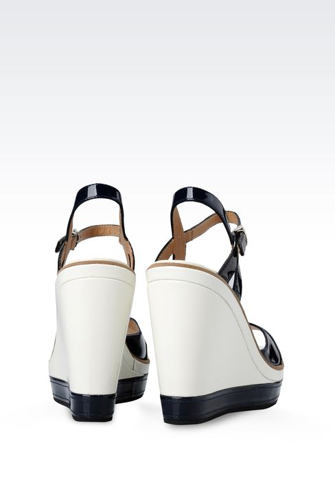 WEDGE SANDAL IN TWO-COLOR PATENT EFFECT LEATHER: Wedges Women by Armani - 3