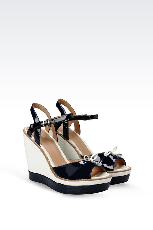 WEDGE SANDAL IN TWO-COLOR PATENT EFFECT LEATHER: Wedges Women by Armani - 2