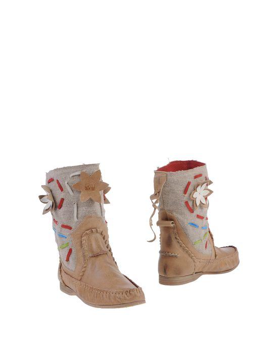 Полусапоги и высокие ботинки EL VAQUERO. Цвет: бежевый