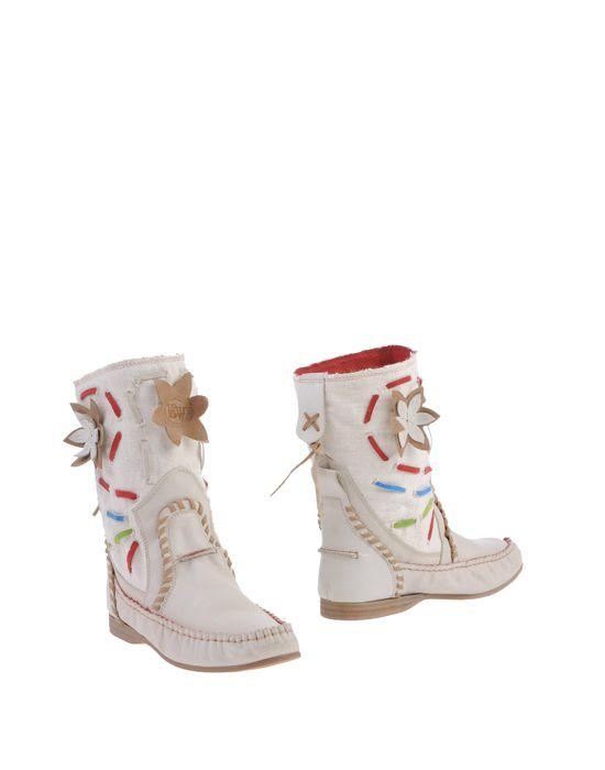 Полусапоги и высокие ботинки EL VAQUERO. Цвет: белый