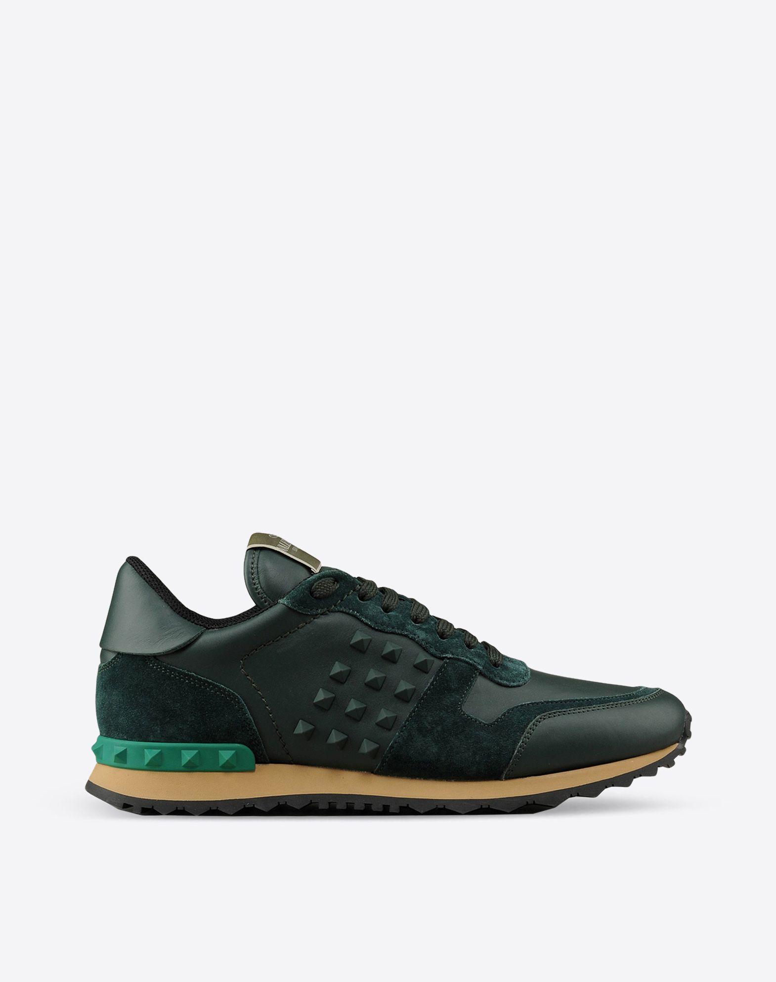 valentino garavani uomo rockstud sneaker sneakers for men valentino online boutique. Black Bedroom Furniture Sets. Home Design Ideas