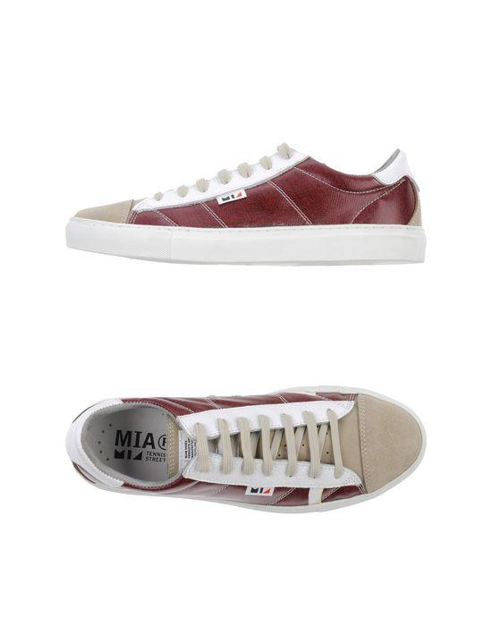 Низкие кеды и кроссовки MIA. Цвет: красно-коричневый