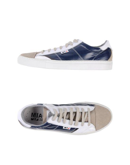 Низкие кеды и кроссовки MIA. Цвет: темно-синий