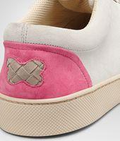 Sand Mist Rosa Shock Intrecciato Suede Sneaker