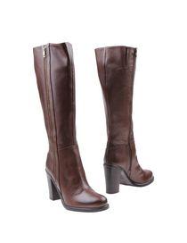 ALTERNATIVA - Boots