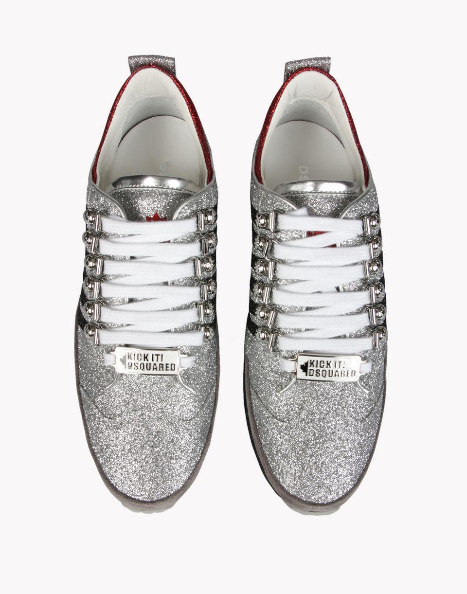 Drop shipping online shop Simple design plain white slip on shoes sneakers no laces unisex Flats slip on sneakers online shop