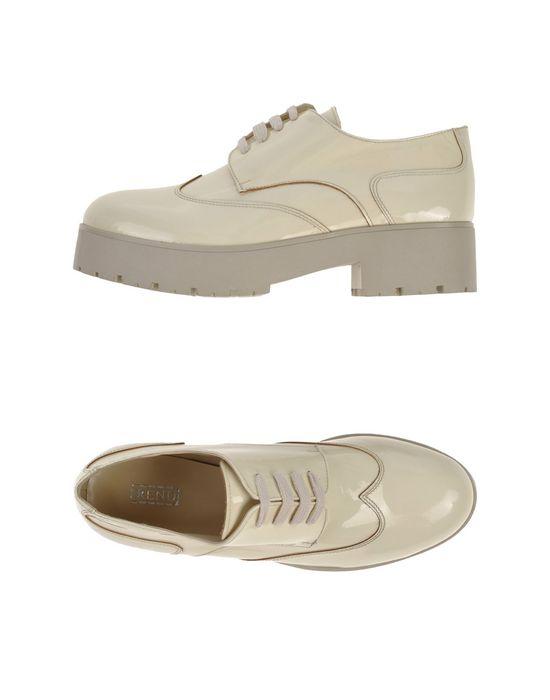Модные ботинки на шнурках
