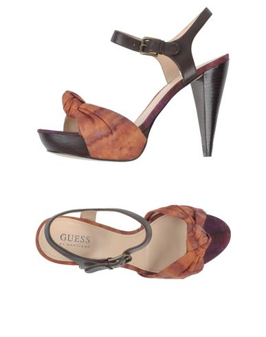 Guess By Marciano :  Sandales femme