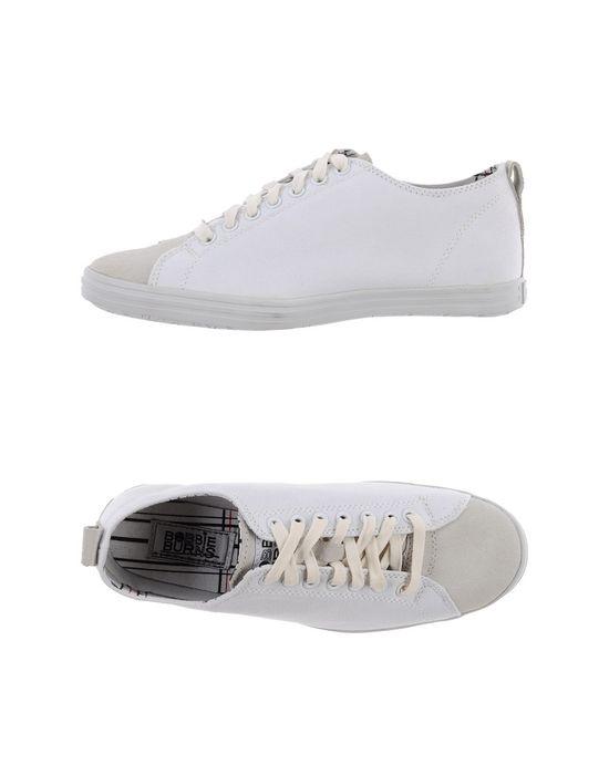 Низкие кеды и кроссовки BOBBIE BURNS. Цвет: белый