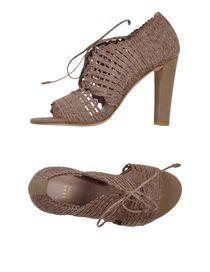 STUART WEITZMAN - Laced shoes