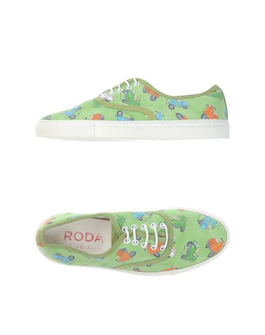 Foto RODA AT THE BEACH Sneakers & Tennis shoes basse uomo