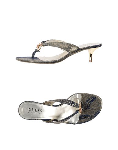 Guess By Marciano :  Tongs femme