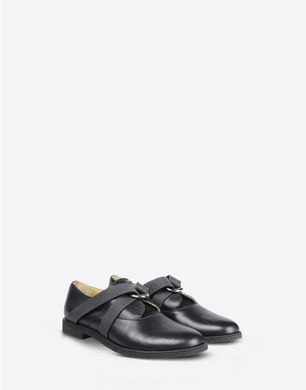 Lace up calfskin oxfords with elastic detail