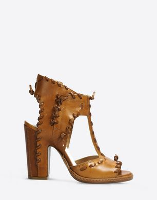T-strap sandals with leather stitch detail