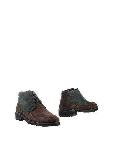 THE GENERIC MAN Полусапоги и высокие ботинки