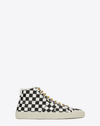 Signature COURT CLASSIC SURF SL/37M Sneaker in White and Black Checker Printed Distressed Leather