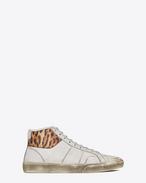 Sneaker COURT CLASSIC SURF SL/37M en cuir effet usé à imprimé léopard naturel et à imprimé damier noir, blanc et blanc cassé