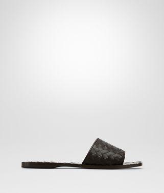 深咖啡色编织小羊皮凉鞋
