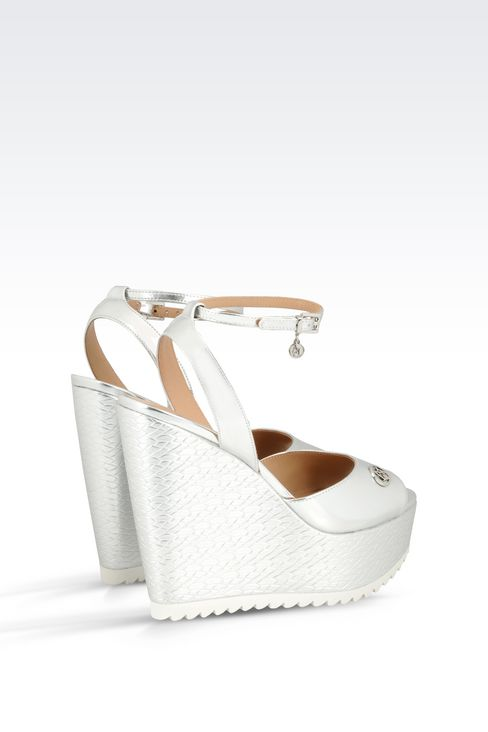 WEDGE SANDAL IN MIRROR FINISH FAUX LEATHER: Wedges Women by Armani - 3