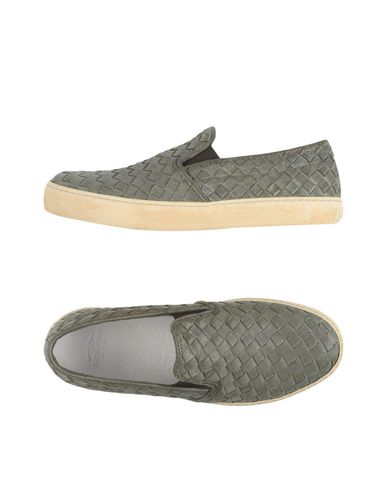 Низкие кеды и кроссовки PANTOFOLA D'ORO 44988053XW