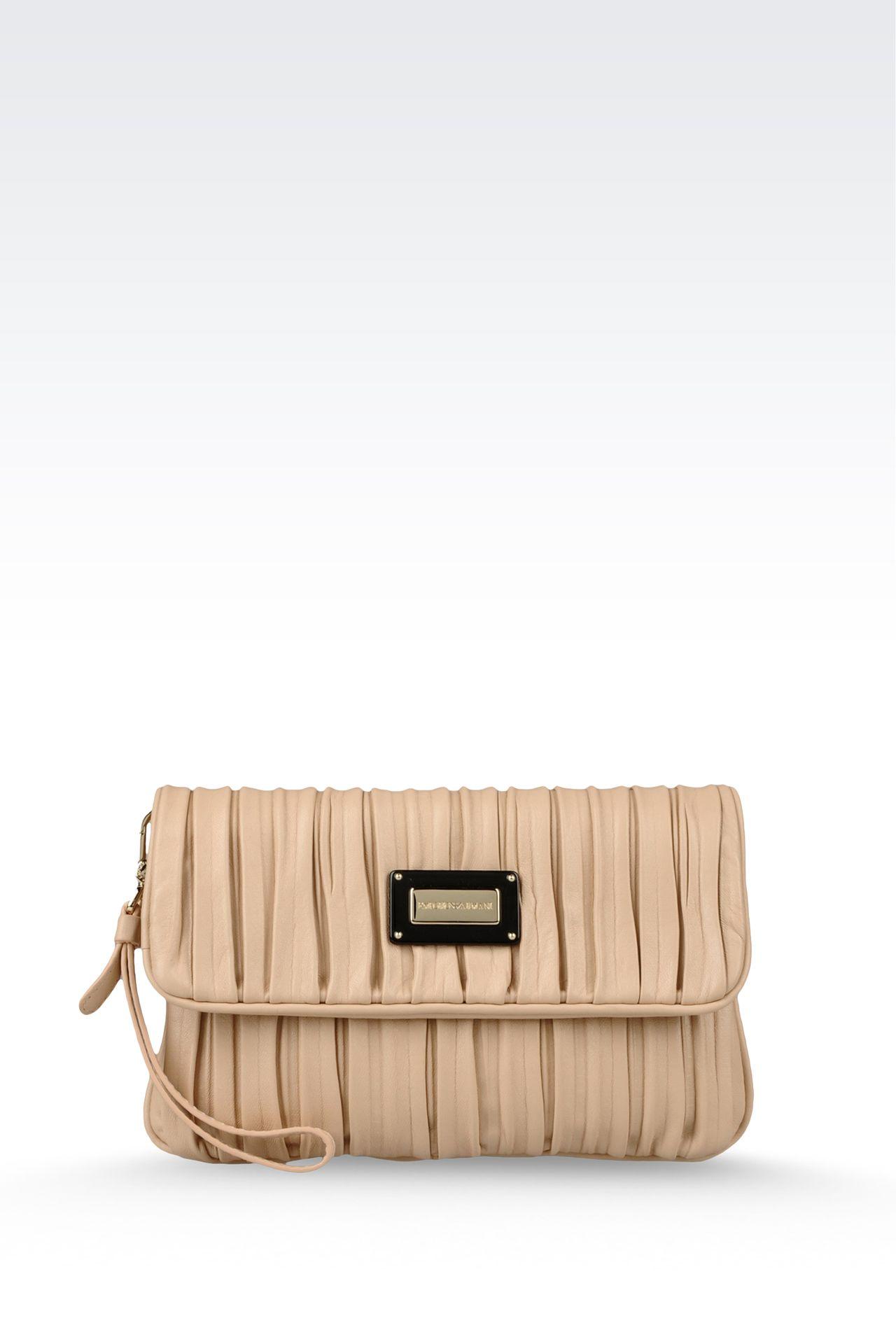 100% 羊皮 经典款柔软羊皮褶皱设计 磁性封口 内部拉链口袋 手包