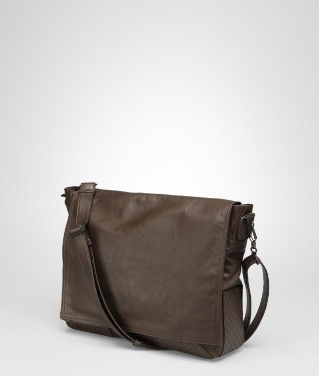 Light Calf Scolpito Cross Body Messenger