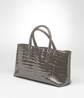 Fenice Bag aus glänzendem Krokodilleder Fumé in Shadow