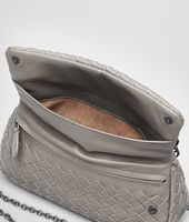 Messenger Mini Tasche aus Nappaleder Intrecciato Fume