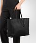 BOTTEGA VENETA LARGE TOTE BAG IN NERO INTRECCIOMIRAGE Tote Bag D ap