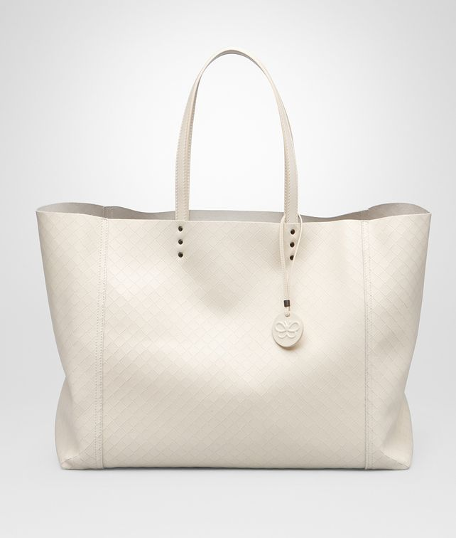 BOTTEGA VENETA GROSSE TOTE BAG AUS INTRECCIOMIRAGE IN ANTIQUE Shopper D fp