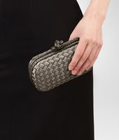 KNOT CLUTCH IN FUMÉ INTRECCIO IMPERO, AYERS DETAILS