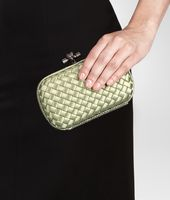 KNOT CLUTCH IN RESEDA INTRECCIO IMPERO, AYERS DETAILS