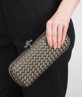 STRETCH KNOT CLUTCH IN FUMÉ INTRECCIO IMPERO, AYERS DETAILS