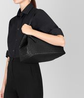 MEDIUM TOTE BAG IN NERO INTRECCIATO NAPPA