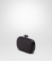 KNOT CLUTCH IN NERO INTRECCIO IMPERO, AYERS DETAILS