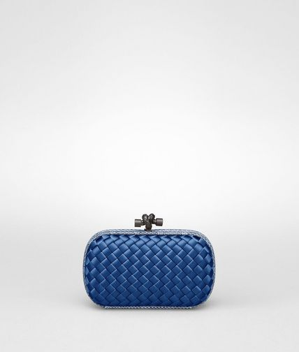 KNOT CLUTCH IN ELECTRIQUE INTRECCIO IMPERO WITH AYERS DETAILS