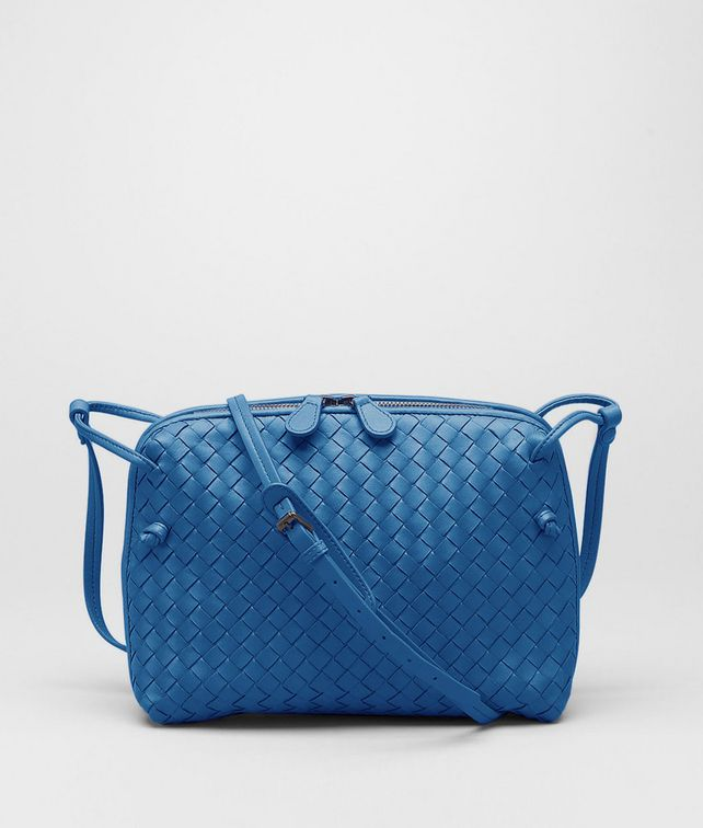 BOTTEGA VENETA Électrique Intrecciato Nappa Messenger Crossbody bag D fp