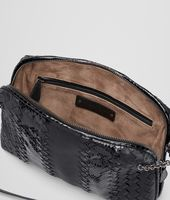 MESSENGER BAG IN NERO NAPPA AND AYERS