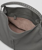SHOULDER BAG IN NEW LIGHT GREY CERVO