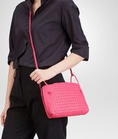 SAC MESSENGER ROSE SHOCKING EN NAPPA INTRECCIATO