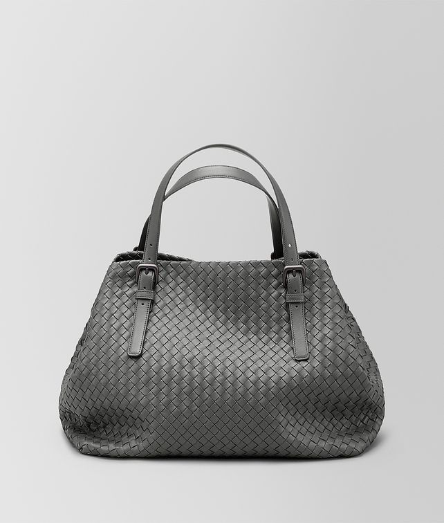 BOTTEGA VENETA LARGE TOTE BAG IN NEW LIGHT GREY INTRECCIATO NAPPA Tote Bag D fp