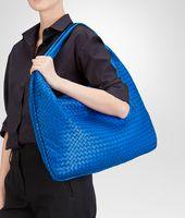 Signal Blue Intrecciato Nappa Maxi Veneta