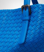 SHOPPER SIGNAL BLUE IN NAPPA INTRECCIATA
