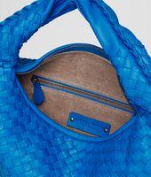 Signal Blue Intrecciato Nappa Veneta