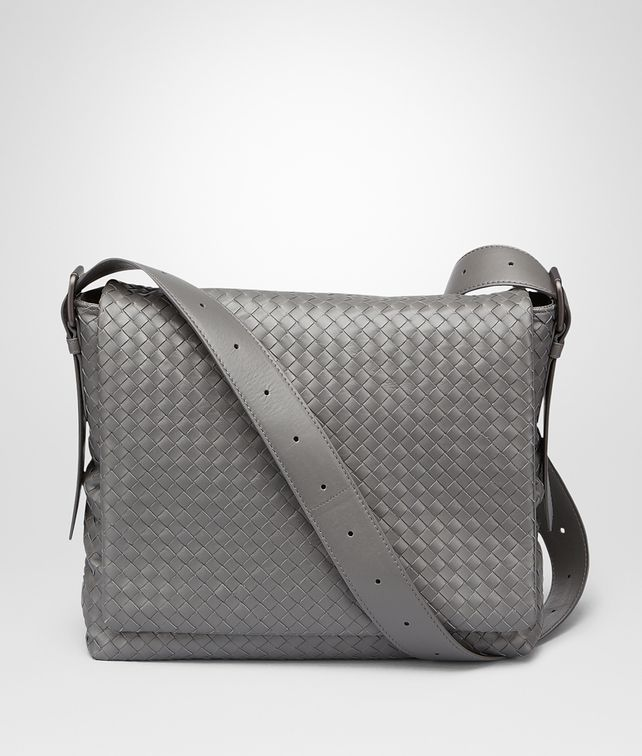 MESSENGER BAG IN NEW LIGHT GREY INTRECCIATO CALF