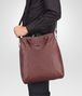 BOTTEGA VENETA SHOPPER AUBERGINE IN NAPPA LAVATA INTRECCIATA Borsa Shopping U lp